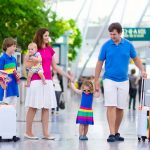 טיסה עם ילדים – מדריך הישרדות בשחקים