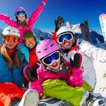 חופשה בלבן – כיצד לחסוך כסף בהזמנת טיול סקי משפחתי